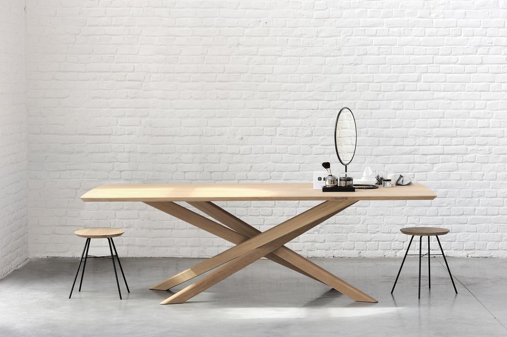 50178 Oak Mikado dining table