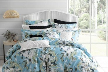 How to style your bedroom for Spring